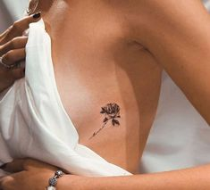 mini tattoos unique & mini tattoos + mini tattoos with meaning + mini tattoos unique + mini tattoos simple + mini tattoos for girls with meaning + mini tattoos men + mini tattoos best friends + mini tattoos for women Dainty Tattoos, Girly Tattoos, Pretty Tattoos, Mini Tattoos, Sexy Tattoos, Beautiful Tattoos, Body Art Tattoos, Small Tattoos, Tatoos