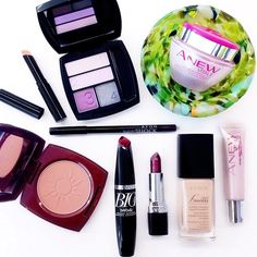 Treating ourselves to a well-deserved #beauty day with our ANEW Vitale and #AvonMakeup favorites! #ANEWyou #NoFilter