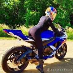 - - Girls and bikes - Lady Biker, Biker Girl, Montana, Chicks On Bikes, Motorbike Girl, Gsxr 600, Hot Bikes, Honda Cb, N Girls