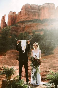 Wedding Trends Sedona Red Rock Elopement Wedding at Cathedral Rock Sedona Wedding, Elope Wedding, Wedding Pics, Wedding Trends, Boho Wedding, Wedding Styles, Dream Wedding, Wedding Day, Elopement Wedding