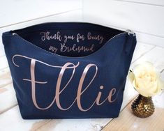 Bridesmaid Thank You Gift – Personalised Bridesmaid Gift Make Up Bag – Maid of Honor Gift – Bridal Party Gift – Personalized Cosmetic Bag Brautjungfer Dankeschön personalisierte Brautjungfer Personalized Thank You Gifts, Personalized Bridesmaid Gifts, Maid Of Honour Gifts, Maid Of Honor, Wedding Roles, Party Wedding, Wedding Ideas, Dream Wedding, Wedding Inspiration