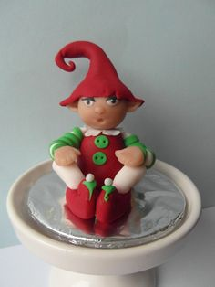 I wanted something a little modeling, so yesterday as the Christmas Elf made for the first time,I find them very cute