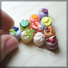 Some macaroons with toppings for Ms.Vhina...Thank you for ordering! #clay #miniature #clayminiature #miniaturclay #claycraft #craft #handmade #tiny #foodminiature #fakefood #clayfood #airdryclay #miniaturestuffs #perlengkapanminiatur #jualclay #jualminiatur #miniaturmurah #kado #olshopmalang #handicraft #kerajinanclay #kerajinan #customorder #reinveesproducts Cute Polymer Clay, Cute Clay, Polymer Clay Miniatures, Polymer Clay Projects, Polymer Clay Charms, Diy Clay, Polymer Clay Jewelry, Clay Crafts, Barbie Food