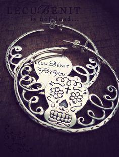 Créole Calaveras  #silver #jewels #bijoux #argent #bague #ring #grave #tattoo #tatouage #oldschool #mode #crane #skull #mexicain #mexican #exvoto #sacre #coeur #collier #necklace #cow #agate http://lecubenit.com/shop/
