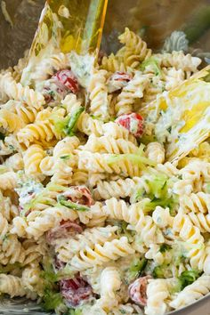 Tzatziki Pasta - Delicious Meets Healthy: Quick and Healthy Wholesome Recipes Healthy Chicken Recipes, Quick Recipes, Healthy Dinner Recipes, Appetizer Recipes, Salad Recipes, Tzatziki, Bulgur Salad, Food Inspiration, Berry