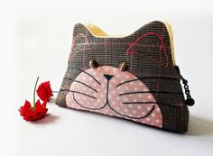 Cat purse / Hand embroidery / Pencil bag / Cosmetic by DooDesign
