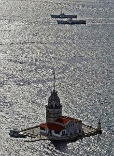 KIZ KULESI (Maiden's Tower) - Istanbul...Kızkulesinin farklı açılardan çekilmiş fotoğraflarına bayılıyorum :) ❤ ✿