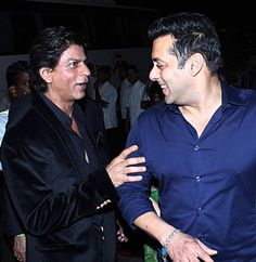 What Superstar Khan Bros #ShahrukhKhan & #SalmanKhan just did will Blow your Mind!