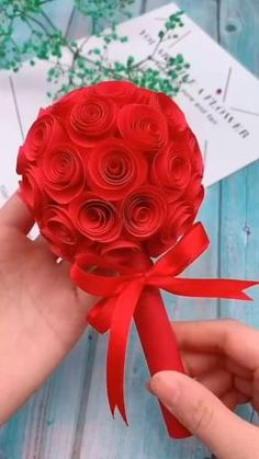Paper Flowers Craft, Paper Crafts Origami, Easy Paper Crafts, Diy Crafts For Gifts, Diy Arts And Crafts, Flower Crafts, Creative Crafts, Diy Flowers, Decor Crafts