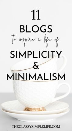 Need some decluttering inspiration to get your minimalist lifestyle going? These TED Talks about minimalism will make you want to declutter and simplify now Living At Home, Slow Living, Mindful Living, Living Rooms, Minimalist Lifestyle, Minimalist Home, Minimalist Christmas, Minimalist Wardrobe, Minimalist Interior
