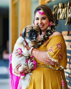 We Can't Stop Admiring this Plus-size Bride's Inspirational Wedding Looks! Sikh Bride, Punjabi Bride, Sikh Wedding, Dog Wedding, Punjabi Wedding, Wedding Looks, Mehndi Outfit, Plus Size Brides, Curvy Bride