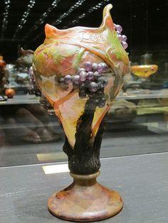 Vase à décor de raisins (vers 1908), Daum - Musée des Beaux-Arts de Nancy (54)   Flickr - Photo Sharing!