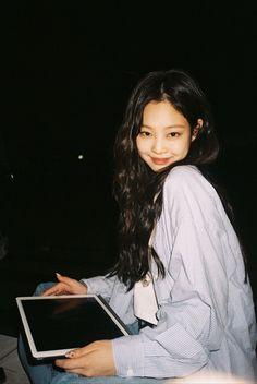 South Korean Girls, Korean Girl Groups, Jennie Kim Blackpink, Blackpink Members, Blackpink Photos, Yg Entertainment, Kpop Girls, Rapper, My Girl