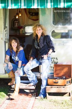 dierks bentley's airstream by the JuNK GYpSies {photos by april pizana}