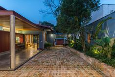 Casa Azul   Galeria da Arquitetura Estilo Tropical, Interior Exterior, Lava, Around The Worlds, Cabin, Mansions, House Styles, Instagram, Home Decor