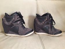 Women's GUESS grey wedge platform booties ankle boots sneakers heel Size 8 M