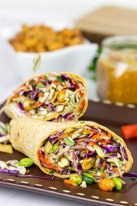 Make lunch fun again with these Thai Peanut Wraps! Flatout Bread Make lunch fun again with these Thai Peanut Wraps! Veggie Recipes, Lunch Recipes, Asian Recipes, Whole Food Recipes, Cooking Recipes, Healthy Recipes, Healthy Wraps, Veggie Wraps, Veggie Lunch Ideas