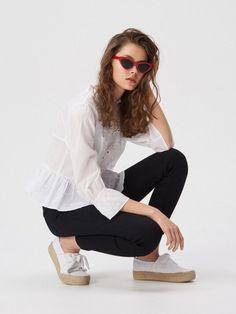 Bluze Sinsay de damă – pentru fiecare zi și pentru petreceri Bell Sleeves, Bell Sleeve Top, Spring, Tops, Women, Fashion, Moda, Women's, La Mode