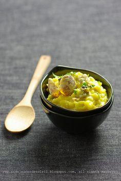 Saffron and vongole risotto. Risotto aux vongole, ail et safran.
