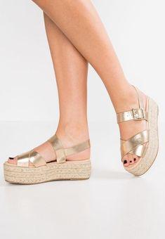 9a16964c1d9 20 beste afbeeldingen van schoenen - Beautiful shoes, Trainer shoes ...