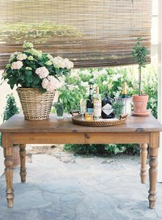 A Summer Dinner Party from Molly McGlone & Bryce Covey |   Read more - http://www.stylemepretty.com/living/2013/07/31/a-simple-summer-dinner-party-from-molly-mcglone-bryce-covey/