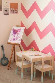 Un montón de ideas para personalizar la serie de Ikea Lätt, las mesas y sillas más populares para nuestros peques. ~ The Little Club