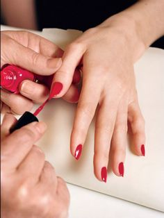 You already know that your nails need to be squeaky clean before you start your manicure—if there are any oils trapped on the surface, polish streaks, bubbles, or chips happen twice as fast. Manicure Steps, Manicure And Pedicure, Happy Nails, Best Nail Polish, Daily Nail, Daily Beauty, Cool Nail Designs, Beauty Industry, Cool Nail Art