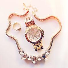 Michael Kors / Gold watch /