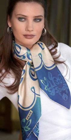 A thousand ways to be beautiful or how to wear a scarf - Your Fashion Styles 6bd5b6c335