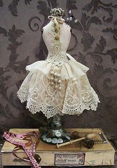 Pincushion Diva by Barbara Willis - this shabby chic pincushion stands on top of a candlestick, using vintage lace fabrics Doll Clothes Patterns, Doll Patterns, Sewing Patterns, Crochet Patterns, Vintage Lace, Vintage Sewing, Vintage Cotton, Notions De Couture, Costura Vintage