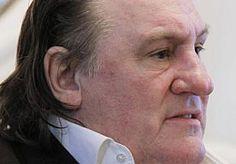 5-Apr-2013 11:34 - GÉRARD DEPARDIEU OPNIEUW NIET BIJ RECHTSZITTING. De Franse acteur Gérard Depardieu is weer niet komen opdagen bij een rechtszitting in Parijs. De acteur wordt vervolgd voor rijden onder invloed.