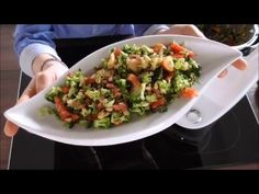 Vorwerk Thermomix®TM5 + BROKKOLISALAT MIT PINIENKERNE + - YouTube Guacamole, Potato Salad, Low Carb, Potatoes, Ethnic Recipes, Youtube, Party, Check, Eat Lunch