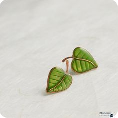 Post earrings Spring green leaves by Dariami on Etsy, $25.00