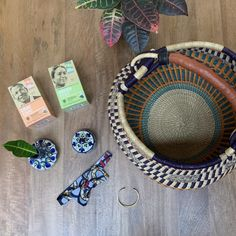 Join us in celebrating Fair Trade Month by entering our giveaway for a chance to win a fair trade gift basket! We are excited to partner this year with Fair World Project, a non-profit that supports fair trade policies through consumer education and advocacy for small-scale farmers, artisans, and workers. See below for entry and prize … Harvest Market, Fair Trade Chocolate, Trade Federation, Non Profit, Farmers, Gift Baskets, Giveaway, Scale, Artisan