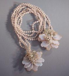 Glass bead & leaf lariat by Frank Hess for Miriam Haskell 1940s