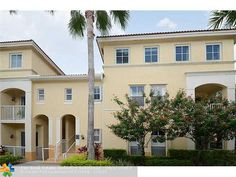 Anthony San Martin has just listed a Condo in Jacaranda Country Club, Plantation