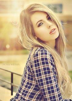 Hii my names Adaline I'm 15 I'm a hollister model I'm single