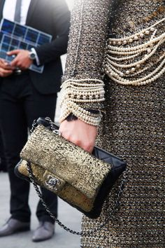 tweed, pearls, gold . classic Chanel glamour . Streetstyle