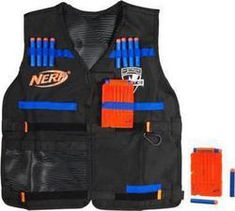 Nerf N-Strike Elite Tactical Vest Kit ((Isaac♥. he has a million and one freakin' Nerf things. this would come in handy! Toys R Us, Gifts For Boys, Toys For Boys, Kids Toys, Nerf Tactical Vest, Arma Nerf, Pistola Nerf, Nerf Accessories, Nerf Toys