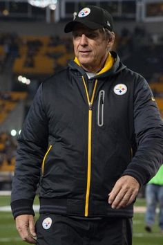 By far greatest Steeler in my book Coolest old guy EVER! Dick LeBeau
