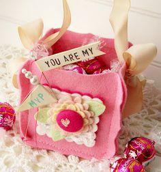 love this cute felt box - Andrea Budjack