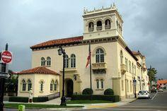 Palm Beach: Palm Beach Town Hall