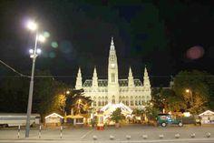 Fotografía: Gabriela Cuevas Cathedral, Tower, Building, Travel, Caves, Vienna, Palaces, Vacations, Parks