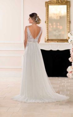 6674 Lace and Tulle Beach Wedding Dress by Stella York Evening Dresses For Weddings, Fall Wedding Dresses, Princess Wedding Dresses, Stunning Wedding Dresses, Wedding Dress Styles, Lace Wedding, Elegant Dresses, Gown Wedding, Mermaid Wedding