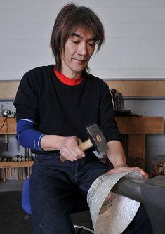 De Zwitserse horlogemaker Vacheron Constantin is Cercle 250 gestart, een vereniging, die het behoud van oude ambachtenbevordert maar vooral ook om hun hedendaagse relevantie te onderstrepen. Ambachten zoals: Bruinering techniek, weven horlogemaker, edelsmid, houtbewerker etc.
