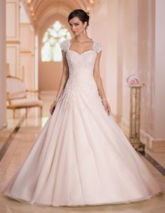 Style 5878 Stella York Trunk Show at The Dresser (Orange County July 11th & 12th)