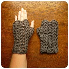 Ravelry: Glorieux Mitts DK pattern by Shara Lambeth