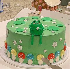 Pretty Birthday Cakes, Pretty Cakes, Cute Cakes, Mini Cakes, Cupcake Cakes, Frog Cakes, Frog Pictures, Pinterest Cake, Cute Baking