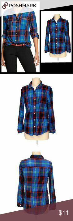 """Plaid camp shirt Beautiful eye popping button down plaid from old navy. Plaid design with royal blue, red, black, green and pick is sure to make your features pop. Nice feminine slender design with pockets. Great condition, no holes, stains, missing buttons, etc. Runs TTS, length is 25""""  Check out my closet for more great items! Old Navy Tops Button Down Shirts"""