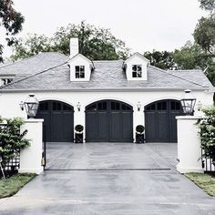 Exterior Paint Colors - You want a fresh new look for exterior of your home? Get inspired for your next exterior painting project with our color gallery. All About Best Home Exterior Paint Color Ideas Style At Home, Black Garage Doors, Carriage House Garage Doors, Garage Door Design, Garage Exterior, Exterior Paint, Detached Garage Designs, Garage Door Colors, Exterior Doors